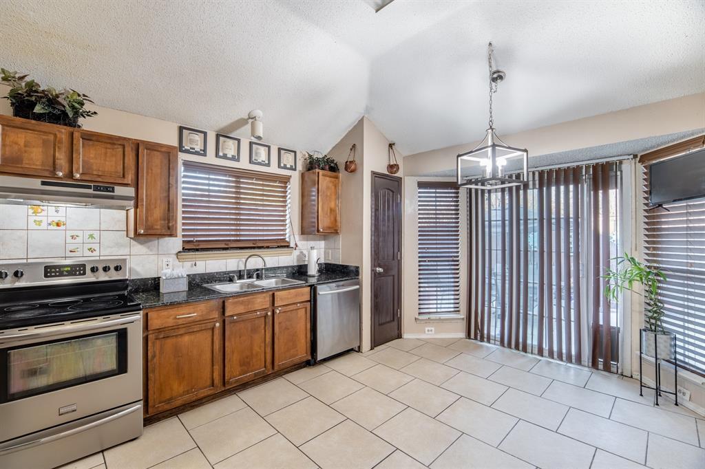 3314 Wilmington  Drive, Grand Prairie, Texas 75052 - acquisto real estate best luxury buyers agent in texas shana acquisto inheritance realtor