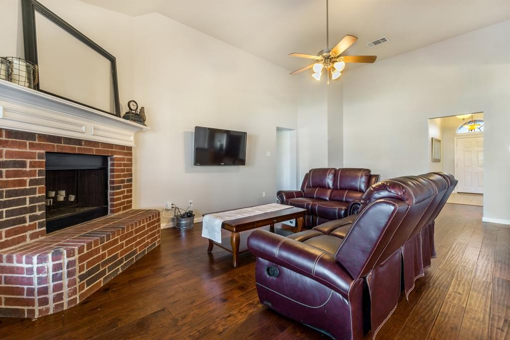 11210 Country Ridge  Lane, Forney, Texas 75126 - acquisto real estate best realtor foreclosure real estate mike shepeherd walnut grove realtor