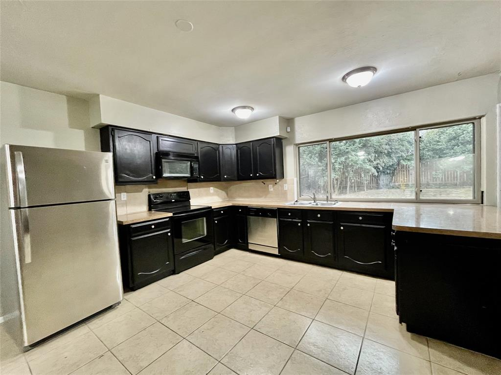 2226 Pennington  Drive, Arlington, Texas 76014 - acquisto real estate best celina realtor logan lawrence best dressed realtor