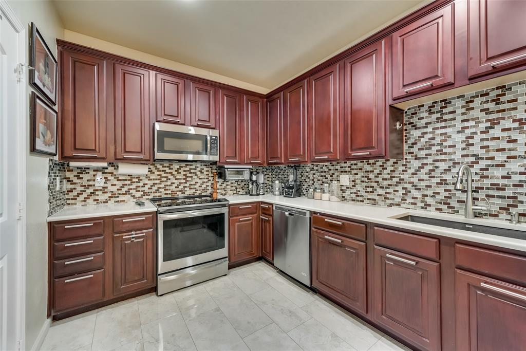 121 Barrington Lane, Lewisville, Texas 75067 - acquisto real estate best real estate company in frisco texas real estate showings