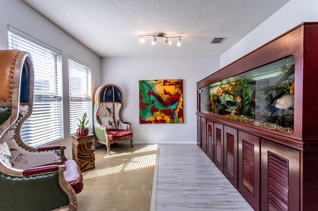 1401 Daisy Drive, Lancaster, Texas 75134 - acquisto real estate best the colony realtor linda miller the bridges real estate