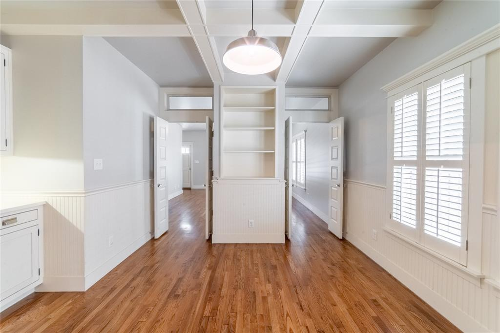 1325 Fairmount Avenue, Fort Worth, Texas 76104 - acquisto real estate best real estate company to work for