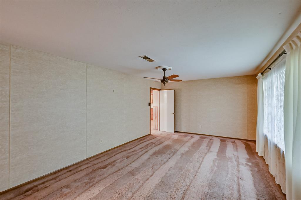 409 Kimbrough Street, White Settlement, Texas 76108 - acquisto real estate best real estate company to work for