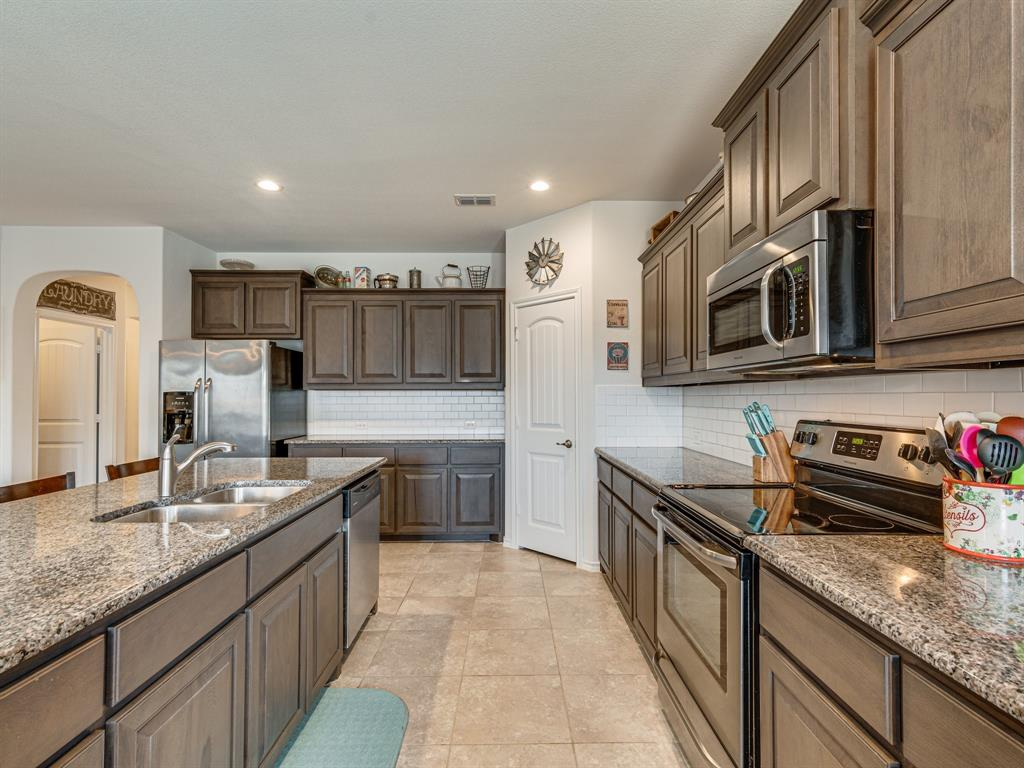 1725 Cross Creek Lane, Cleburne, Texas 76033 - acquisto real estate best listing agent in the nation shana acquisto estate realtor