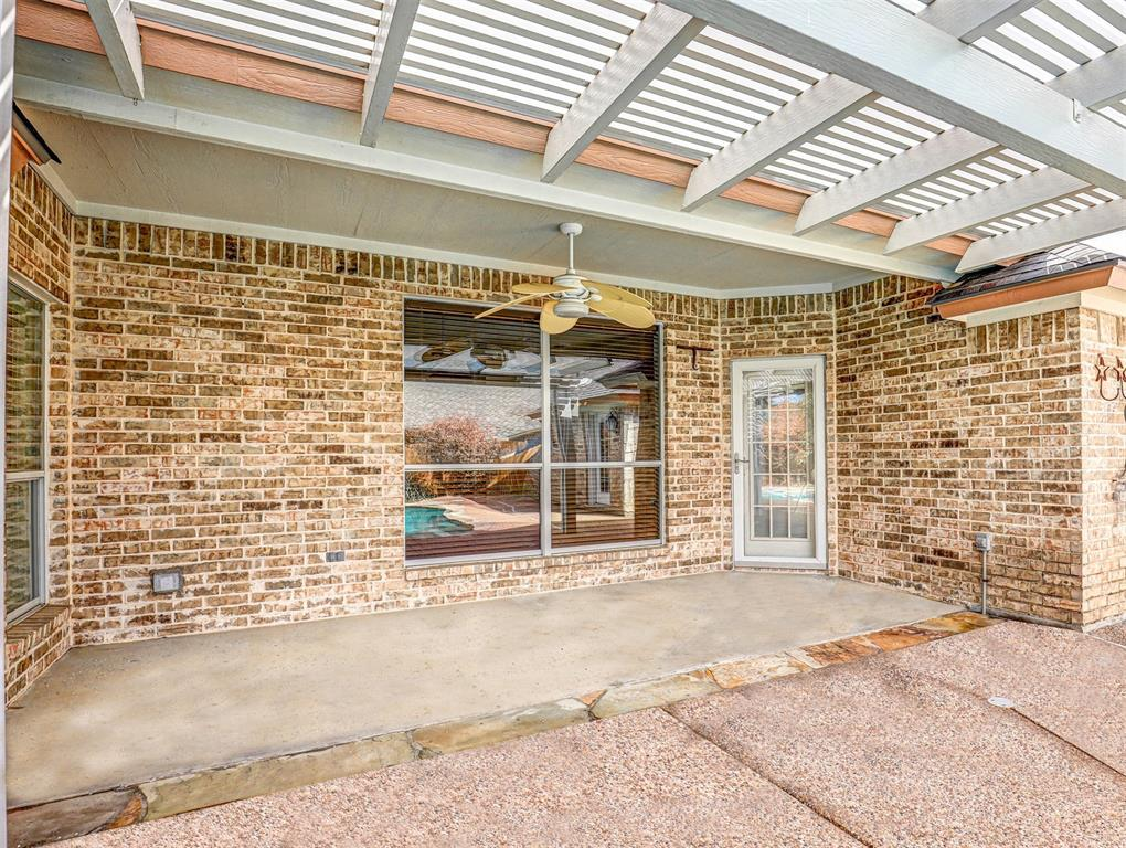7029 Ridge Crest  Drive, North Richland Hills, Texas 76182 - acquisto real estate best photos for luxury listings amy gasperini quick sale real estate