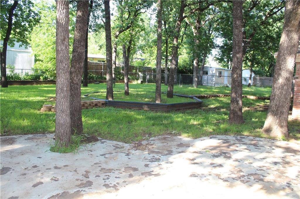 732 Briarwood Lane, Hurst, Texas 76053 - acquisto real estate best negotiating realtor linda miller declutter realtor