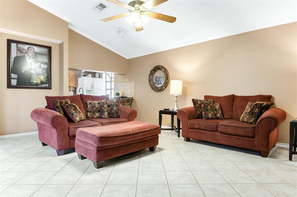 925 Cedarland  Boulevard, Arlington, Texas 76011 - acquisto real estate best prosper realtor susan cancemi windfarms realtor