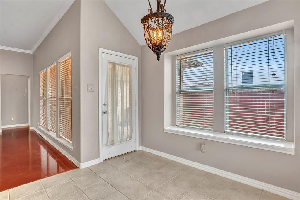 1811 Swaim Court, Arlington, Texas 76001 - acquisto real estate best style realtor kim miller best real estate reviews dfw