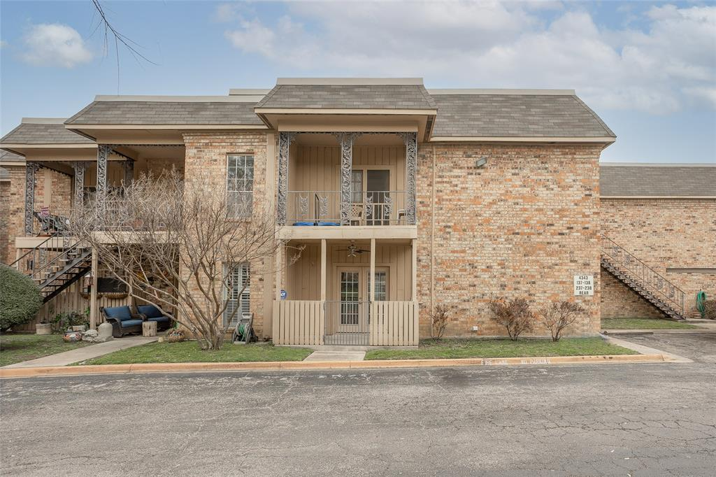 4343 Bellaire Drive, Fort Worth, Texas 76109 - acquisto real estate best park cities realtor kim miller best staging agent