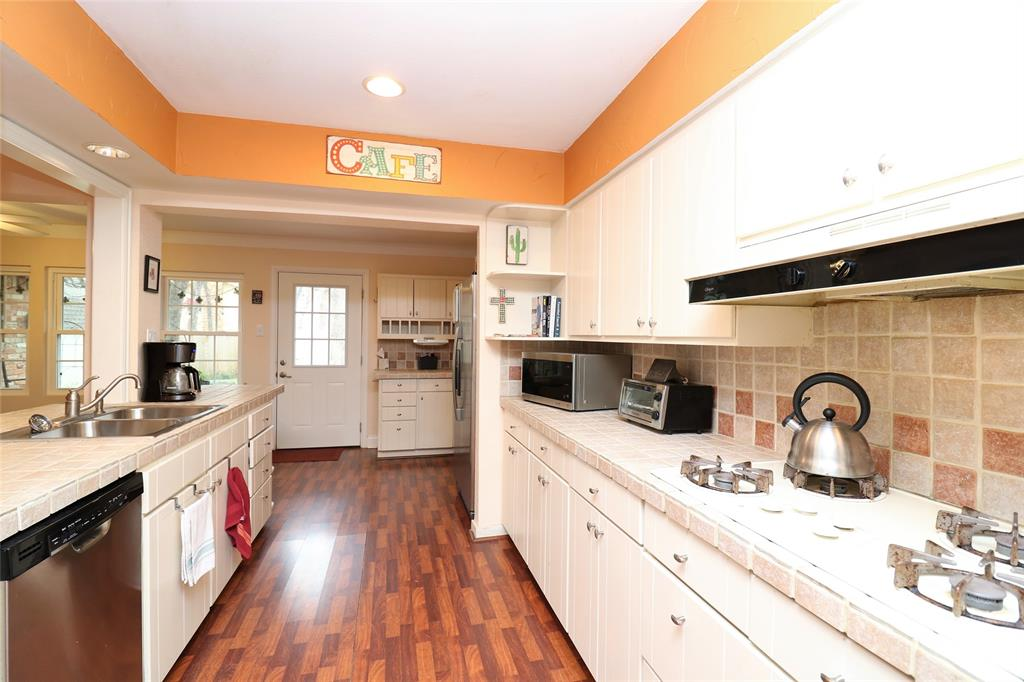 3406 Lynnwood Court, Arlington, Texas 76013 - acquisto real estate best listing agent in the nation shana acquisto estate realtor