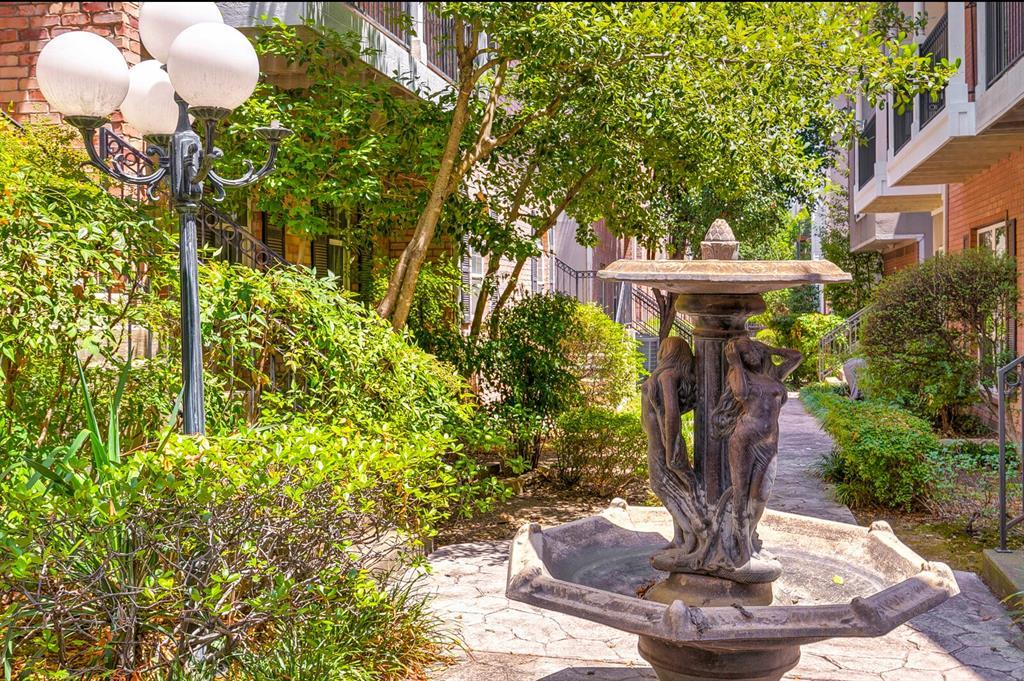 5800 La Vista Drive, Dallas, Texas 75206 - acquisto real estate best negotiating realtor linda miller declutter realtor