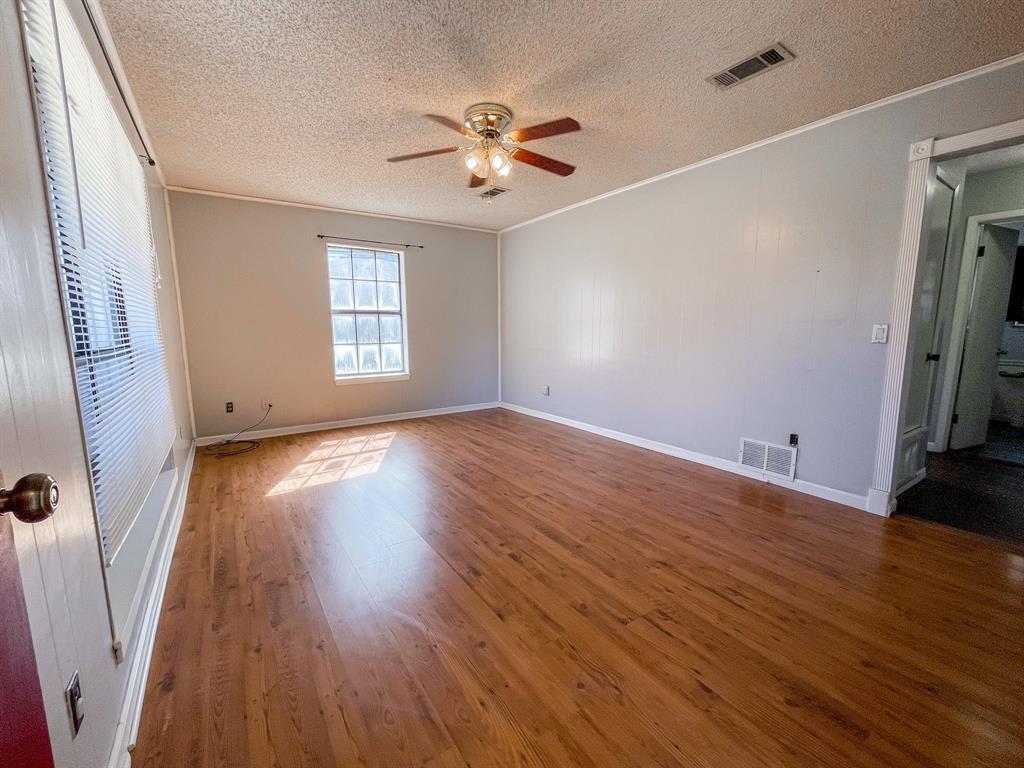 107 N St John St Bogata, Texas 75417 - acquisto real estate best allen realtor kim miller hunters creek expert