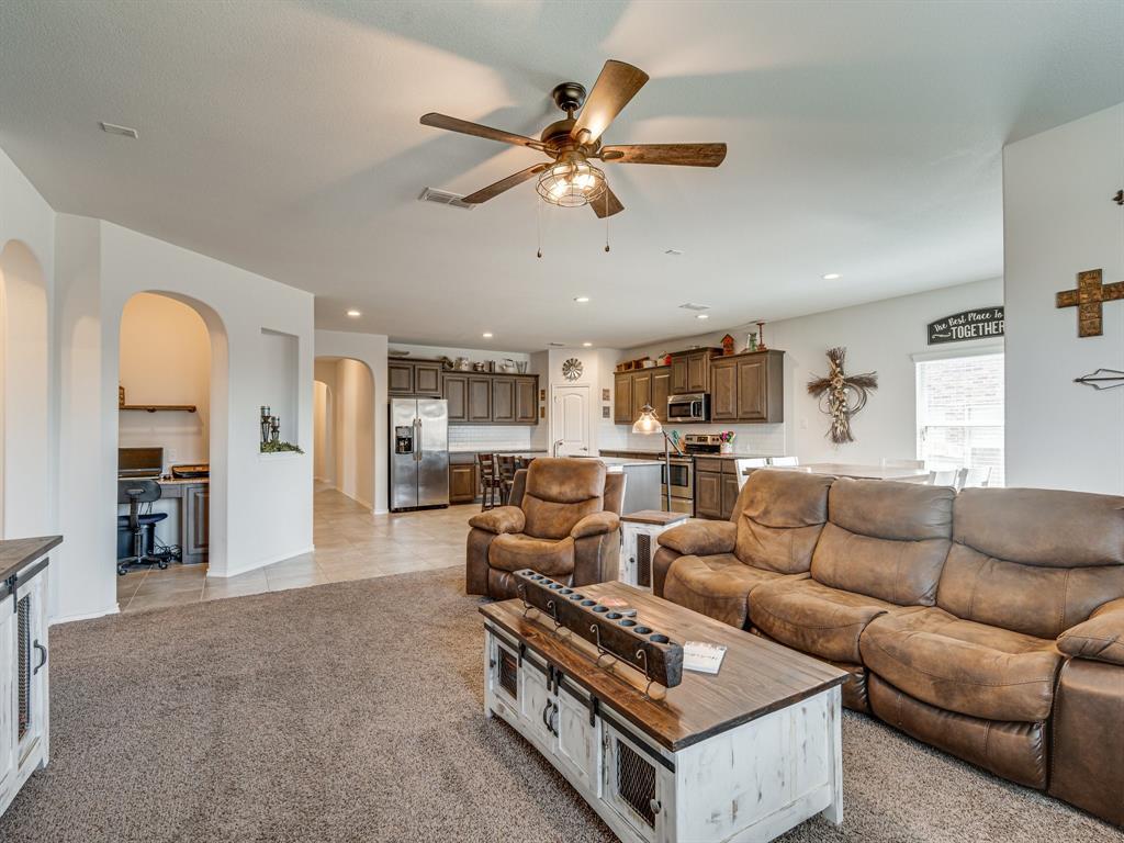 1725 Cross Creek Lane, Cleburne, Texas 76033 - acquisto real estate best designer and realtor hannah ewing kind realtor