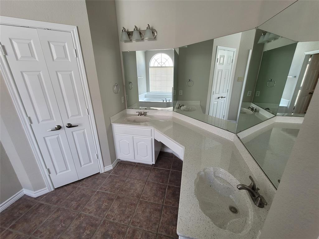 12 Bryan Court, Mansfield, Texas 76063 - acquisto real estate best realtor dallas texas linda miller agent for cultural buyers