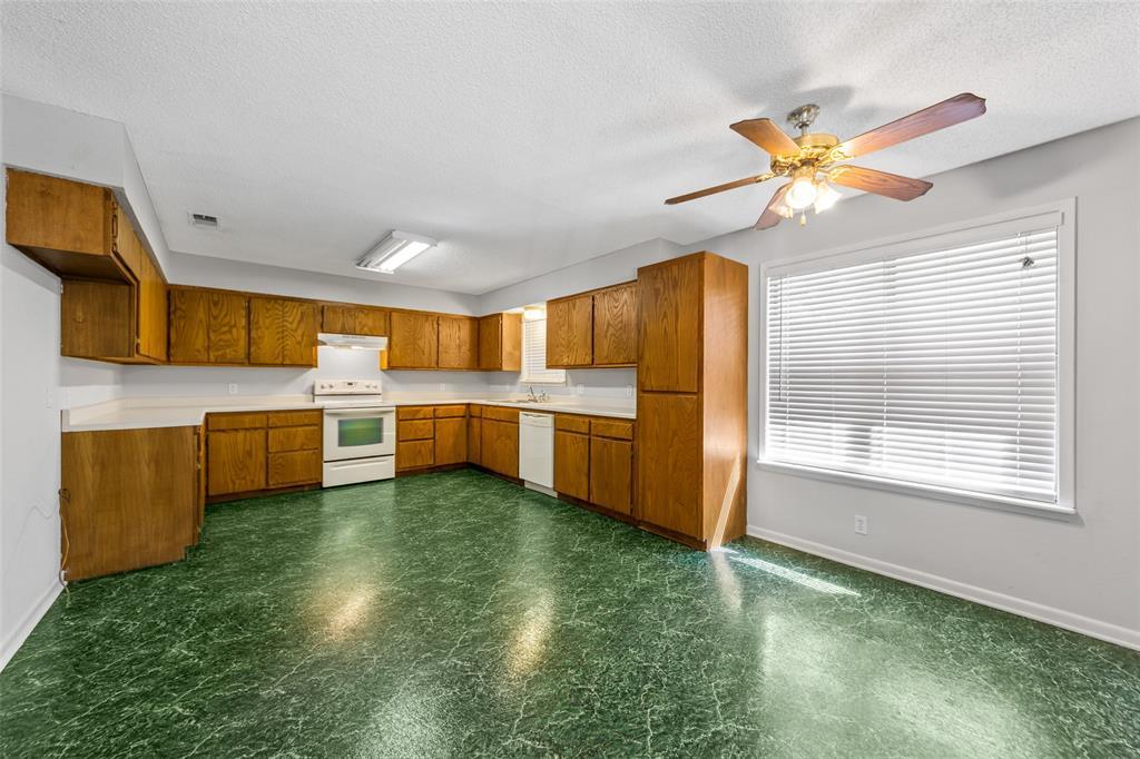 156 Cross Creek Lane, Denison, Texas 75021 - acquisto real estate best prosper realtor susan cancemi windfarms realtor