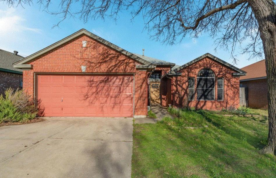 804 Stafford Station Drive, Saginaw, Texas 76131 - Acquisto Real Estate best plano realtor mike Shepherd home owners association expert