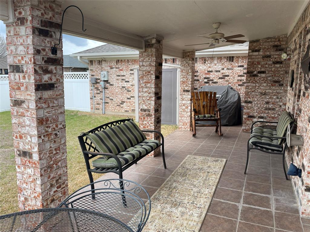 9657 Lea Shore Street, Fort Worth, Texas 76179 - acquisto real estate best realtor foreclosure real estate mike shepeherd walnut grove realtor