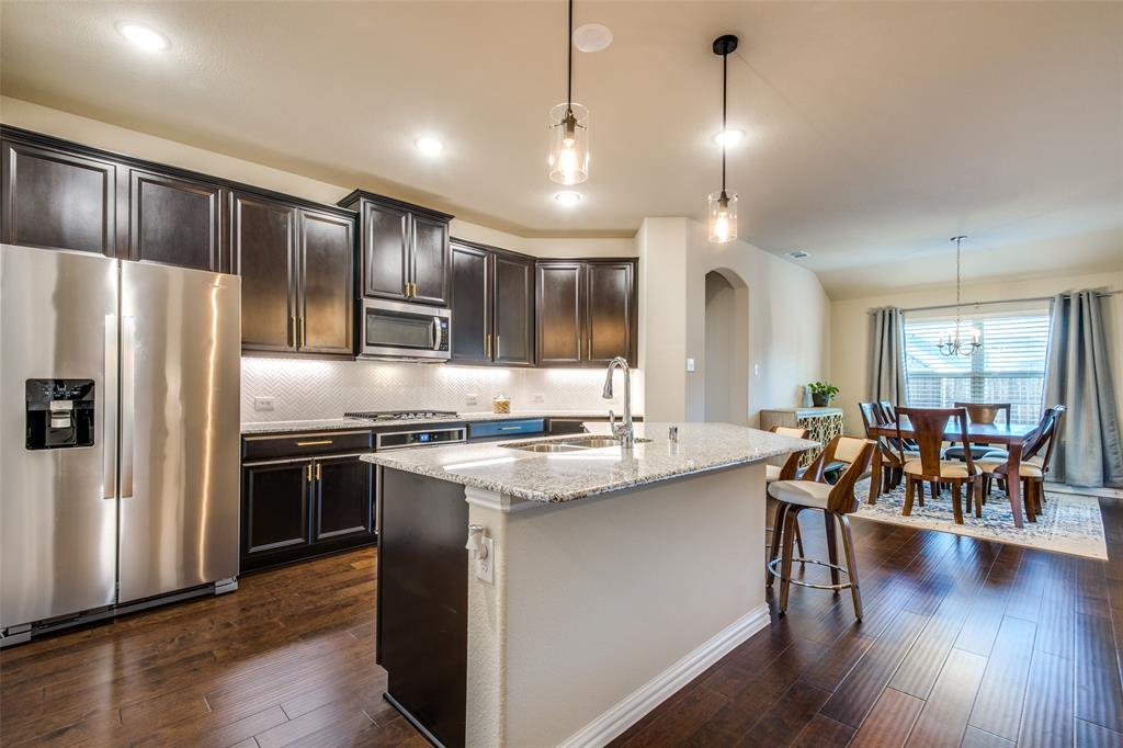 1805 Steppe Trail Drive, Aubrey, Texas 76227 - acquisto real estate best real estate company to work for