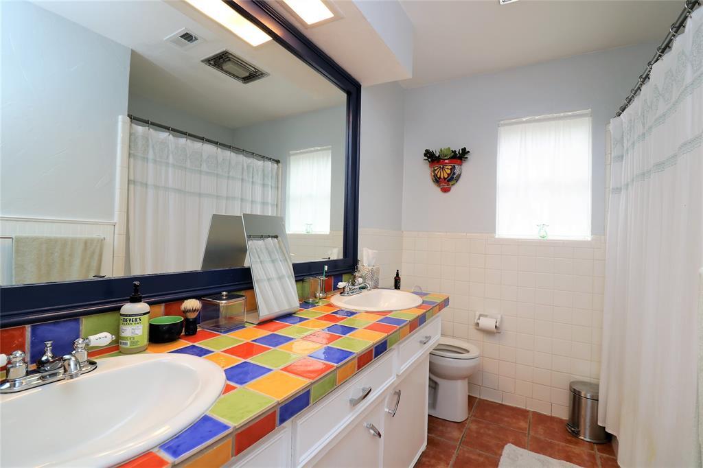 3406 Lynnwood Court, Arlington, Texas 76013 - acquisto real estate best realtor dfw jody daley liberty high school realtor