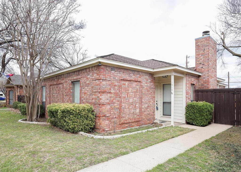 1910 Etain Road, Irving, Texas 75060 - Acquisto Real Estate best plano realtor mike Shepherd home owners association expert