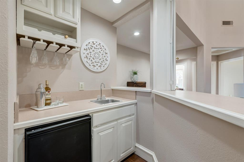 202 Rochelle Court, Colleyville, Texas 76034 - acquisto real estate best real estate company in frisco texas real estate showings