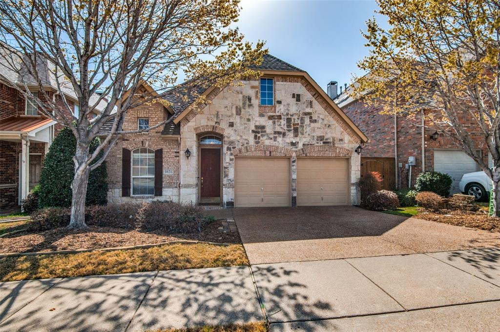 1026 Pedernales  Trail, Irving, Texas 75063 - Acquisto Real Estate best plano realtor mike Shepherd home owners association expert
