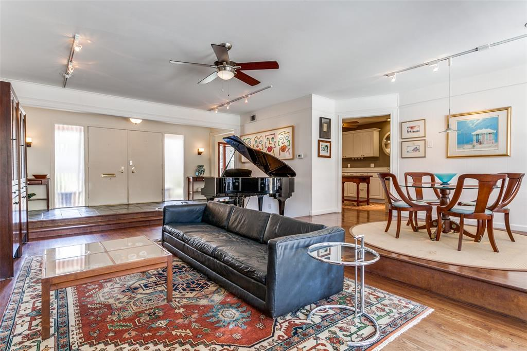 3139 Whirlaway Road, Dallas, Texas 75229 - acquisto real estate best real estate company to work for