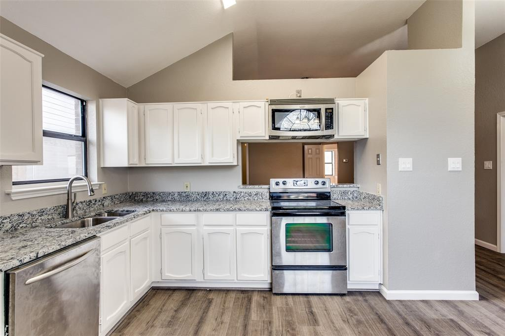 1725 Woodhall Way, Fort Worth, Texas 76134 - acquisto real estate best new home sales realtor linda miller executor real estate