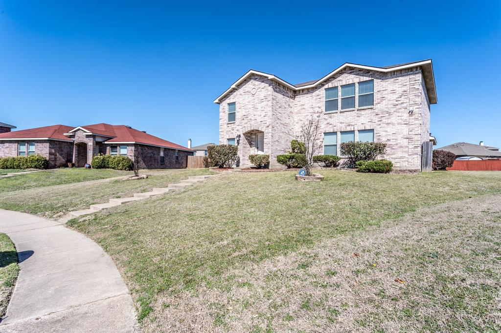 1401 Daisy Drive, Lancaster, Texas 75134 - acquisto real estate agent of the year mike shepherd