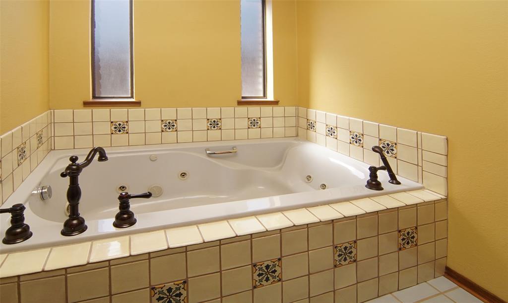 1516 Oak Forest Drive, Graham, Texas 76450 - acquisto real estate best realtor dfw jody daley liberty high school realtor