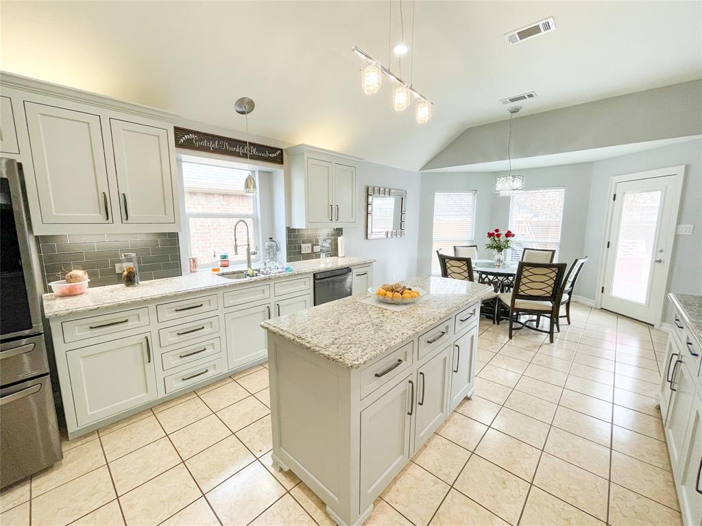 8633 Deepwood Lane, Fort Worth, Texas 76123 - acquisto real estate best new home sales realtor linda miller executor real estate