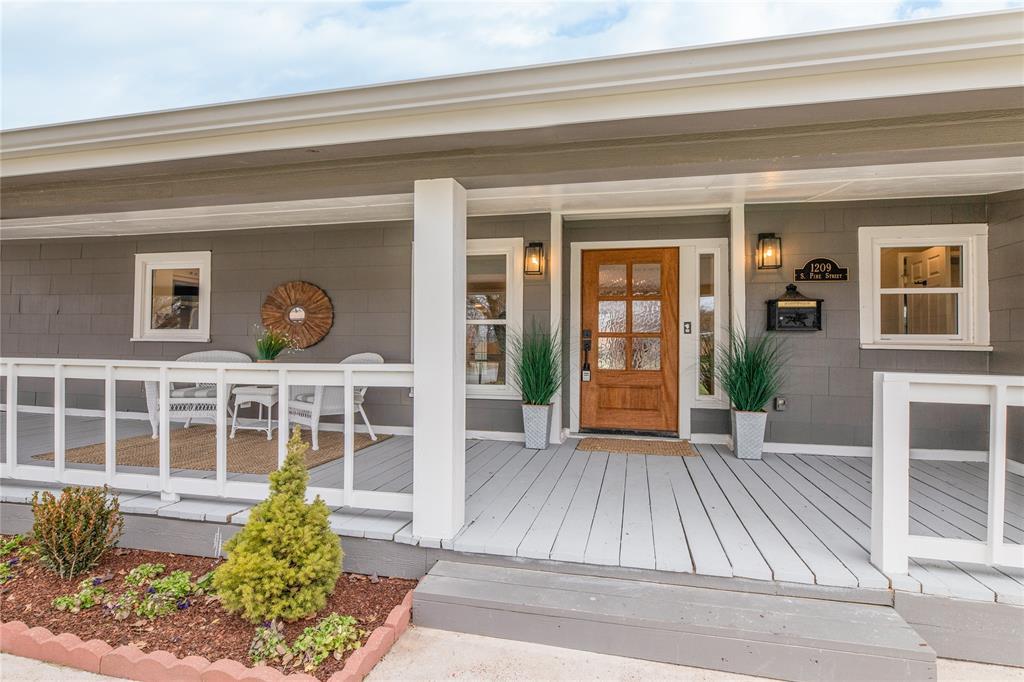 1209 Pine Street, Grapevine, Texas 76051 - acquisto real estate best allen realtor kim miller hunters creek expert