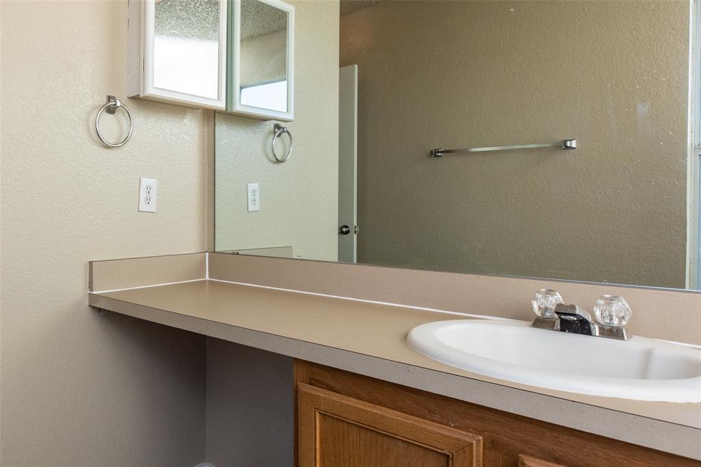 1820 Vineridge Lane, Burleson, Texas 76028 - acquisto real estate best frisco real estate broker in texas for high net worth buyers