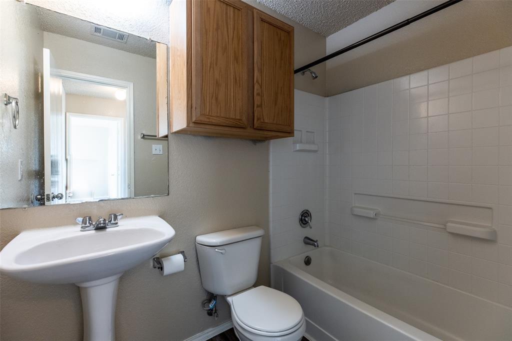1820 Vineridge Lane, Burleson, Texas 76028 - acquisto real estate best style realtor kim miller best real estate reviews dfw