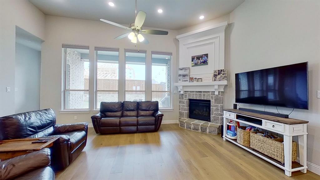 1041 Brookfield  Drive, Prosper, Texas 75078 - acquisto real estate best new home sales realtor linda miller executor real estate