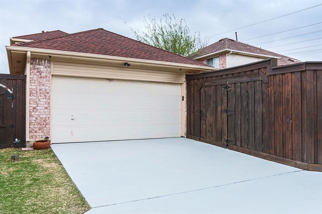 1305 Dallshan Drive, Carrollton, Texas 75007 - acquisto real estate best looking realtor in america shana acquisto