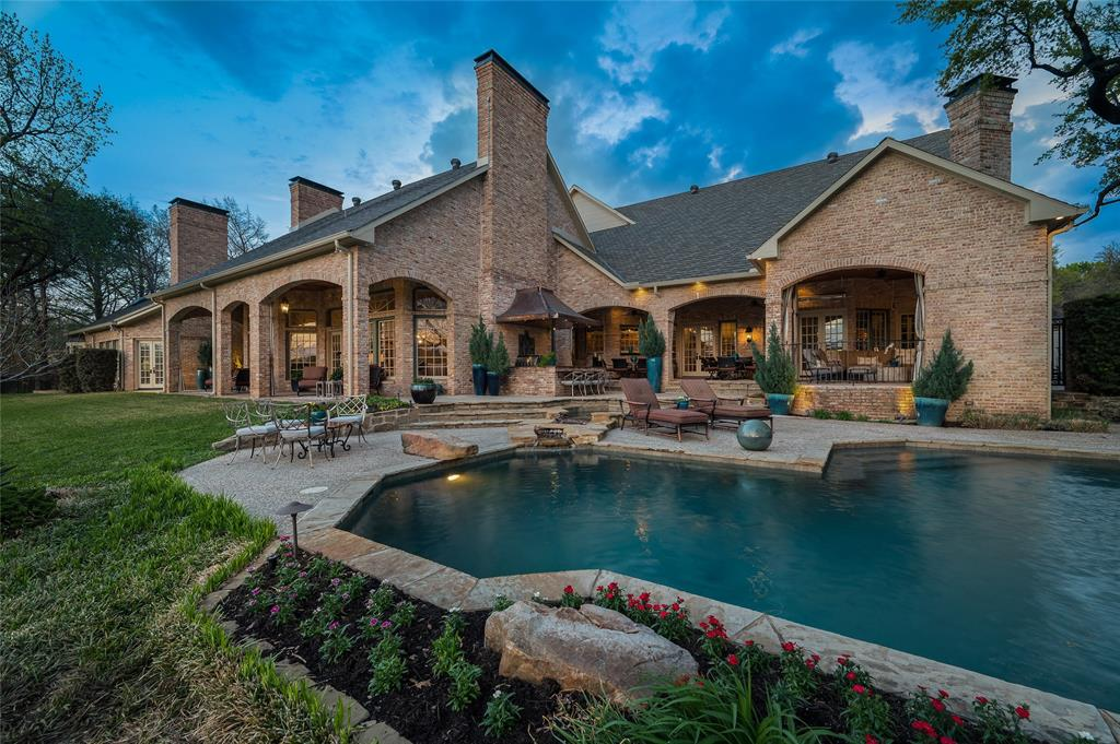 2405 Colonial Drive, Plano, Texas 75093 - acquisto real estate agent of the year mike shepherd