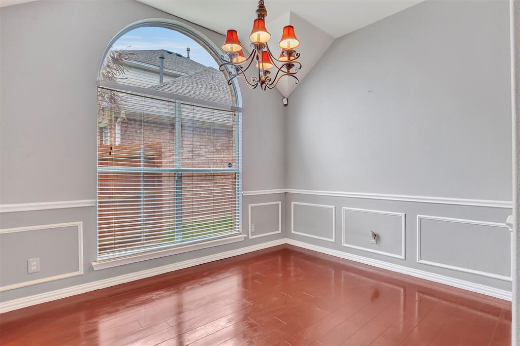 1811 Swaim Court, Arlington, Texas 76001 - acquisto real estate best designer and realtor hannah ewing kind realtor