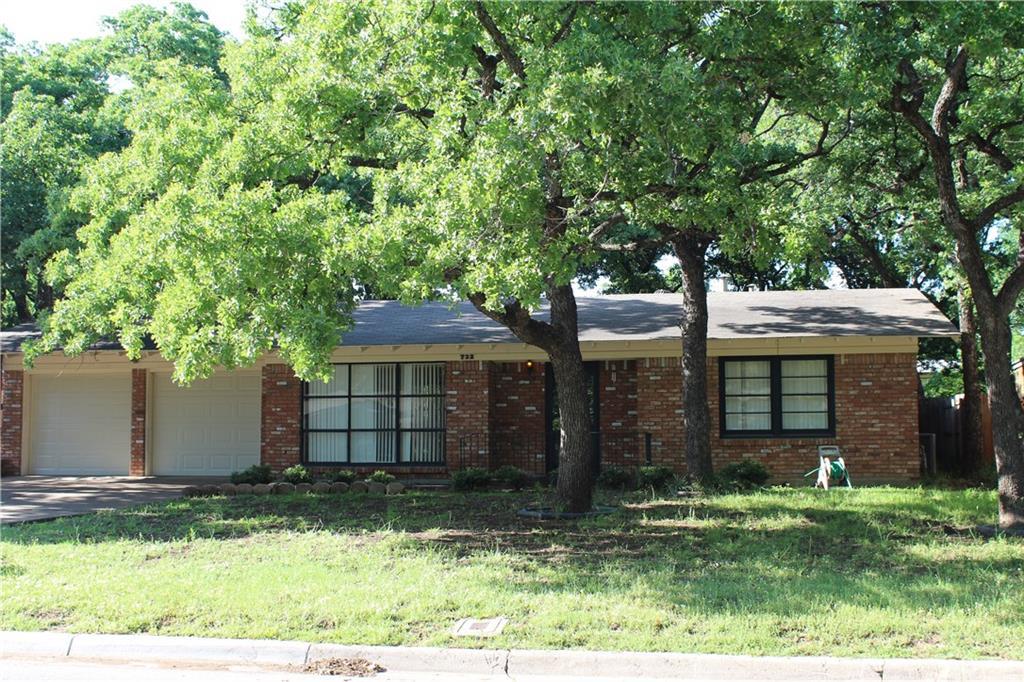 732 Briarwood Lane, Hurst, Texas 76053 - Acquisto Real Estate best plano realtor mike Shepherd home owners association expert
