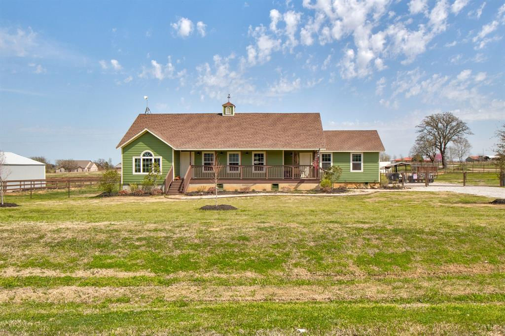 100 Mccrae  Lane, Boyd, Texas 76023 - Acquisto Real Estate best plano realtor mike Shepherd home owners association expert