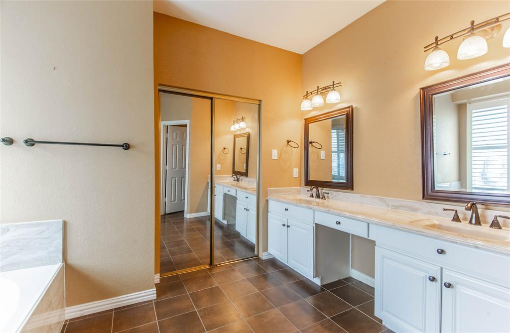 529 Salisbury Drive, Grand Prairie, Texas 75052 - acquisto real estate best photos for luxury listings amy gasperini quick sale real estate
