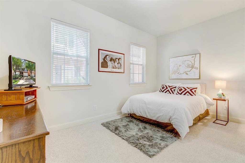 5800 La Vista Drive, Dallas, Texas 75206 - acquisto real estate best realtor westlake susan cancemi kind realtor of the year