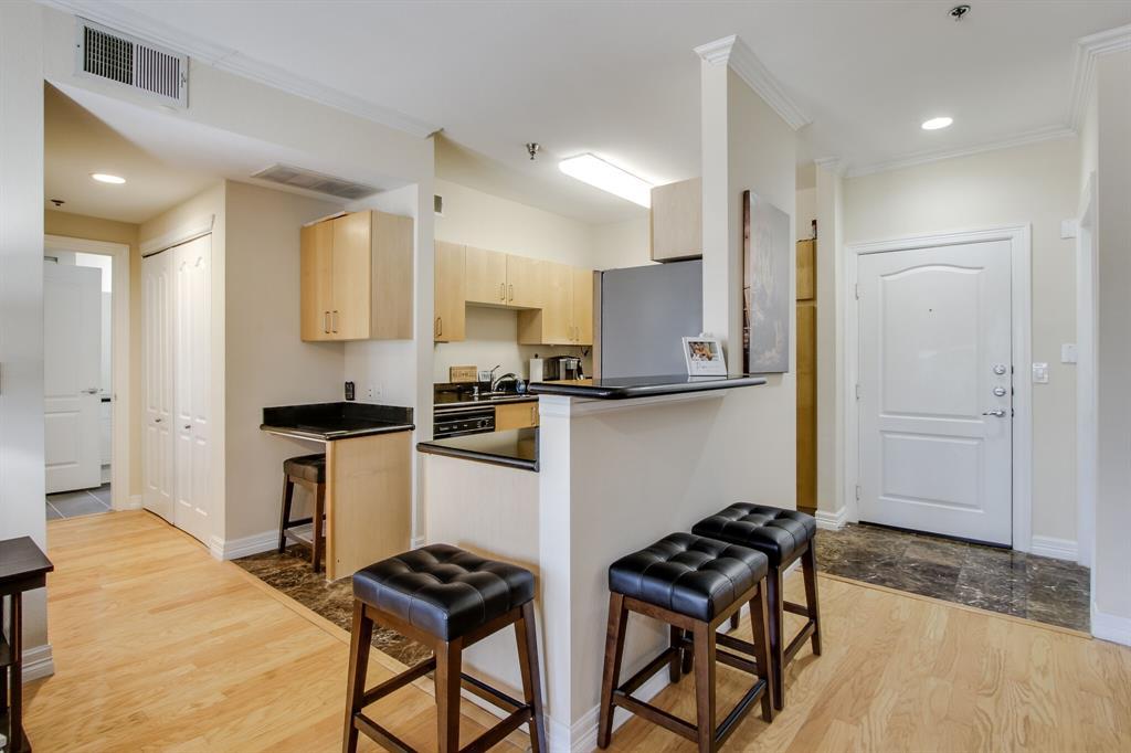3400 Welborn  Street, Dallas, Texas 75219 - acquisto real estate best designer and realtor hannah ewing kind realtor