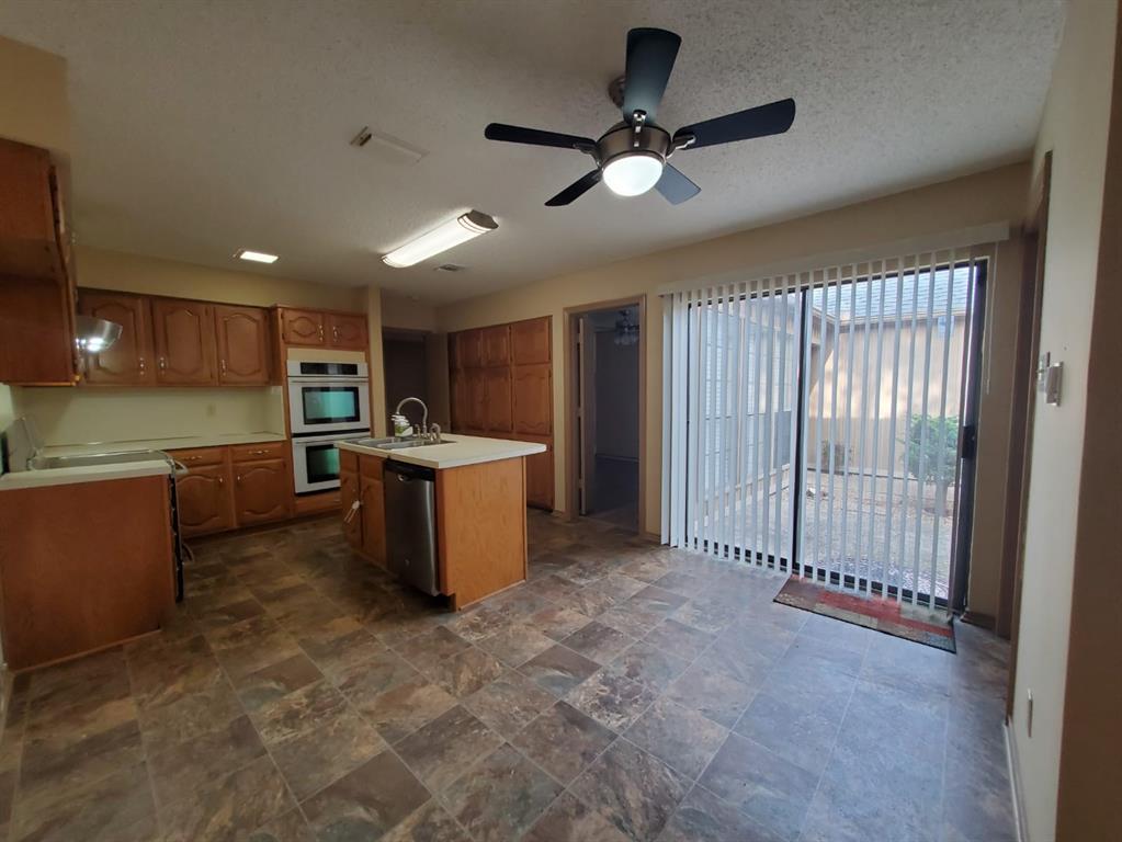 6903 Sammy Circle, Dallas, Texas 75237 - acquisto real estate best highland park realtor amy gasperini fast real estate service