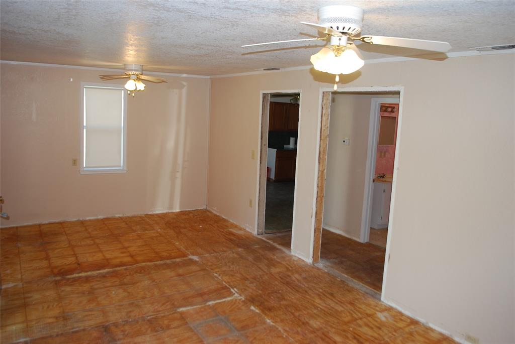 202 McFall Street, Whitesboro, Texas 76273 - acquisto real estate best luxury buyers agent in texas shana acquisto inheritance realtor