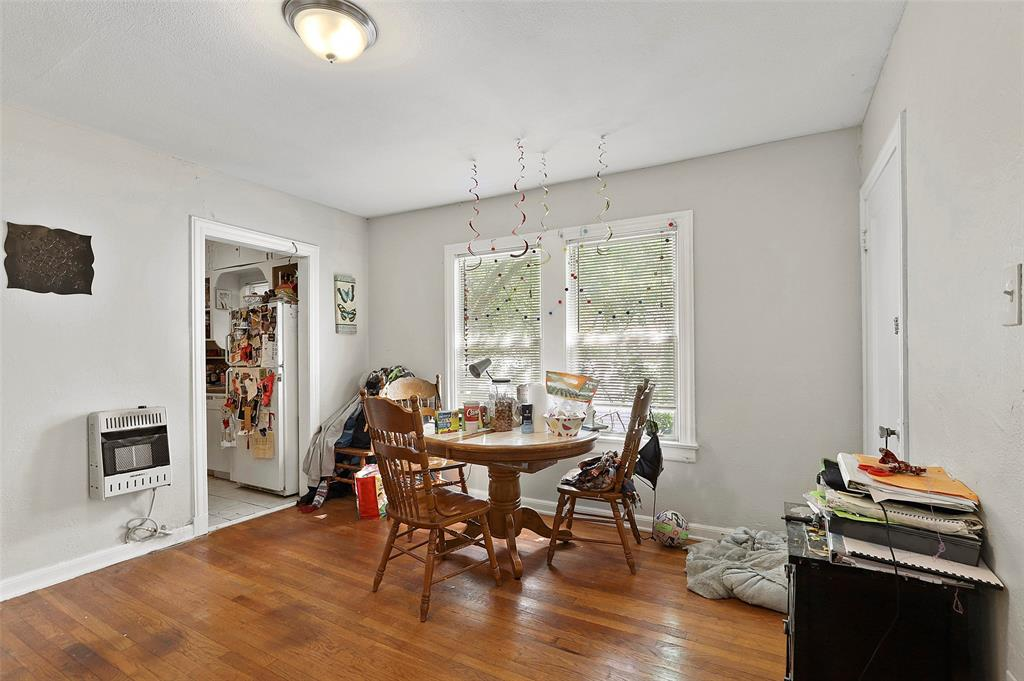 5930 Victor Street, Dallas, Texas 75214 - acquisto real estate best prosper realtor susan cancemi windfarms realtor