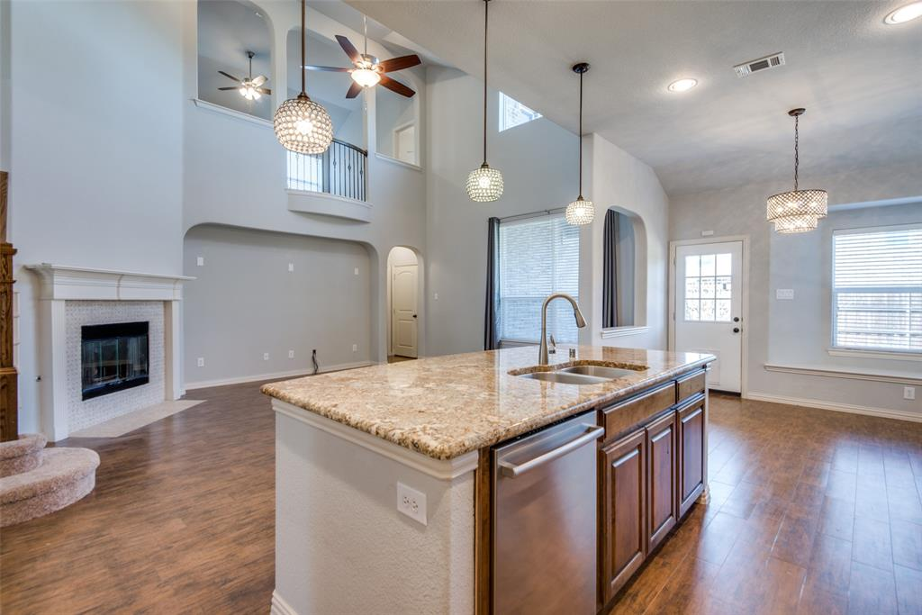 1054 Fossil Lake Dr Frisco, Texas 75036 - acquisto real estate best luxury buyers agent in texas shana acquisto inheritance realtor