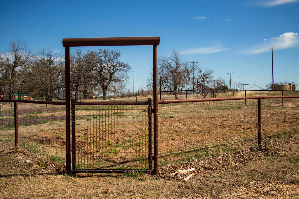 5373 County Road 513  Stephenville, Texas 76401 - acquisto real estate best negotiating realtor linda miller declutter realtor