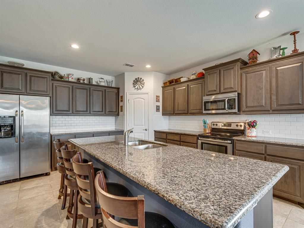 1725 Cross Creek Lane, Cleburne, Texas 76033 - acquisto real estate best real estate company to work for