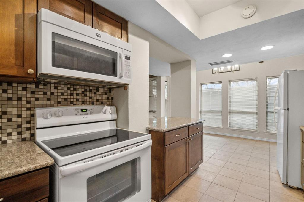613 Campana Court, Irving, Texas 75061 - acquisto real estate best new home sales realtor linda miller executor real estate